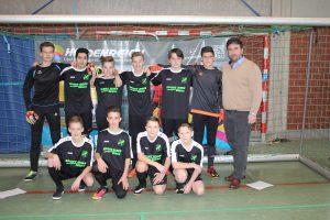 Die C Junioren des JFV Ulfetal bedanken sich bei ihrem Sponsor Kujtim Mustafi für die neuen Auswärtstrikots.
